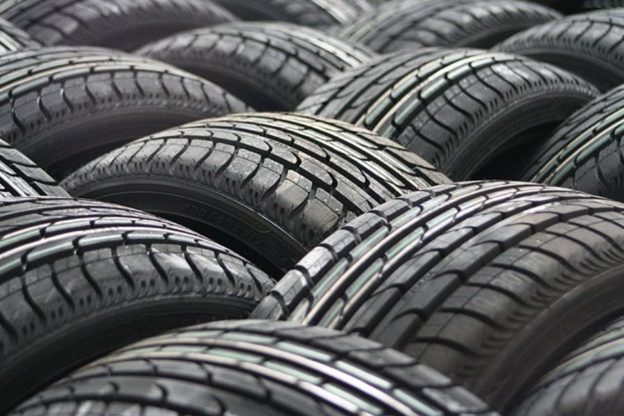 The-Ethical-Agency-Our-Top-10-leather-alternatives-image-tyres